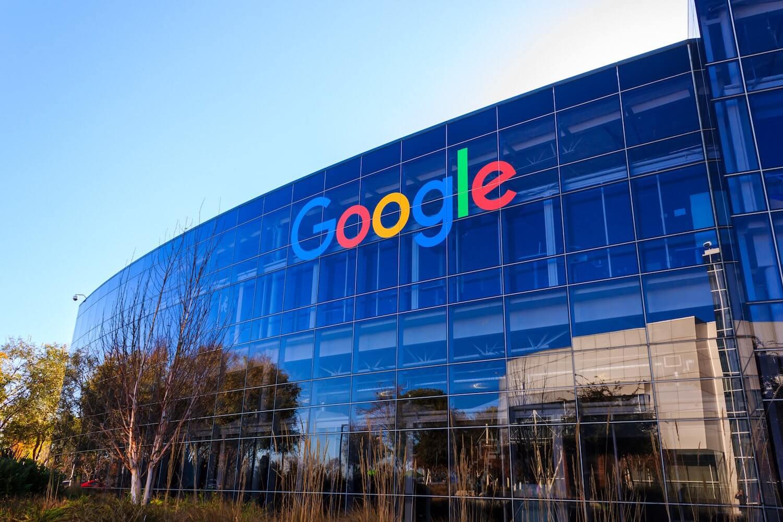 como-contactar-con-google