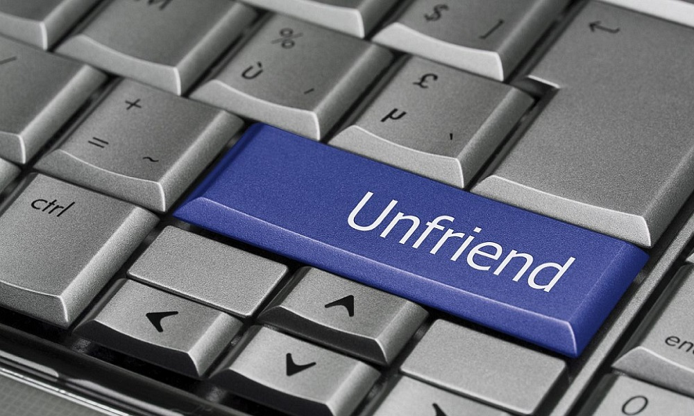 ¿Cómo bloquear a alguien en Facebook?